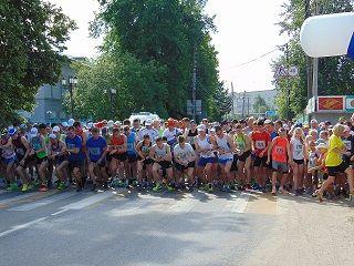 В воскресенье в Городце прошёл марафон «Малый Китеж» - один из пробегов, включённых в календарь федерации лёгкой атлетики Нижегородской области.
